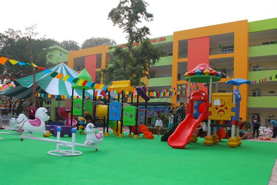 Trường mẫu giáo, trường mầm non, nhà trẻ được đặt tại khu dân cư phù hợp quy hoạch chung, thuận lợi cho trẻ em đến trường