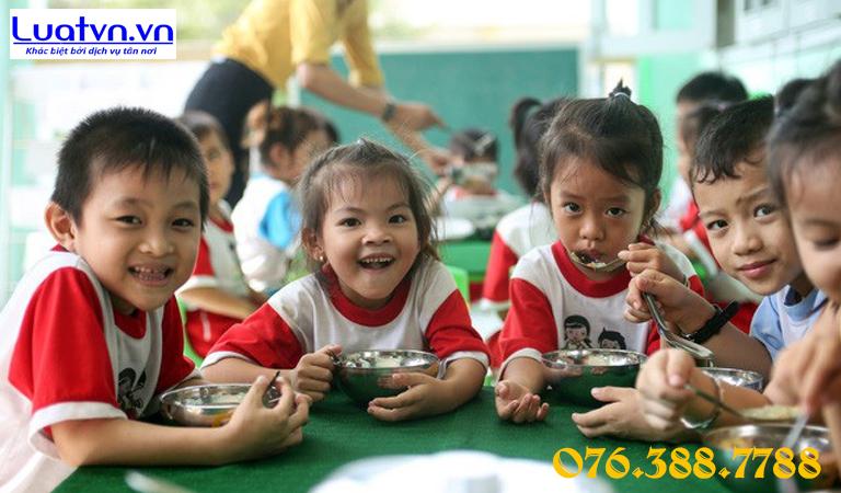 Trường mầm non cần tuân thủ các quy định về an toàn thực phẩm