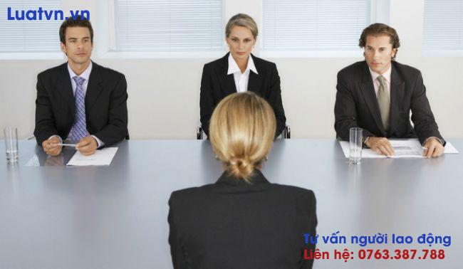Khi đi phỏng vấn, bạn cần sử dụng câu từ lịch sự, tác phong chuyên nghiệp