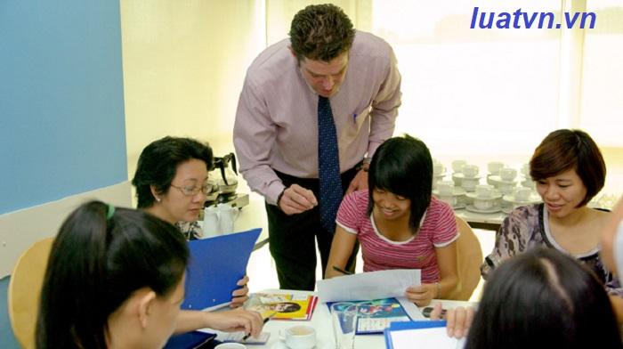 Trình độ chuyên môn và trình độ sư phạm của giáo viên trung tâm ngoại ngữ