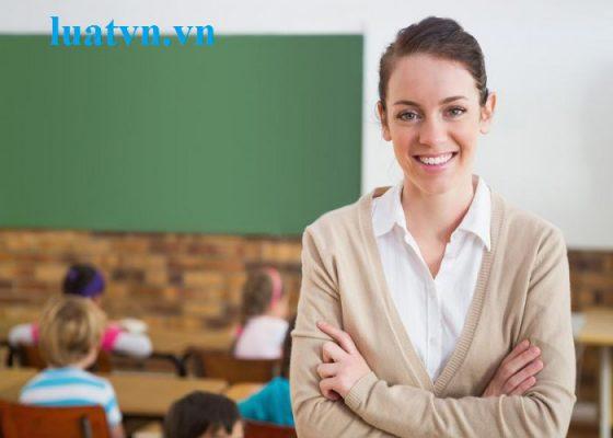 trang phục giáo viên ngoại ngữ